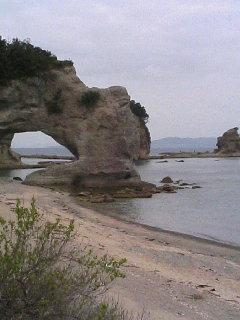 海岸沿いの岩場.JPG
