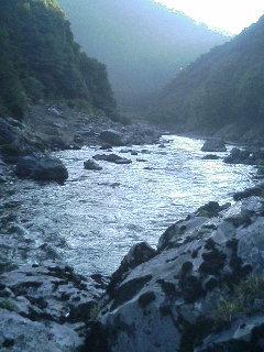 モンドリの川.JPG